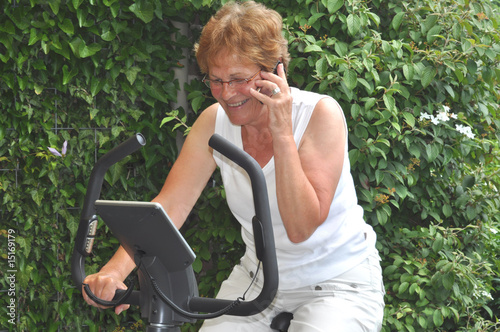 Senior businesswoman doing a workout