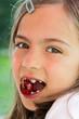 croquer une cerise à pleines dents