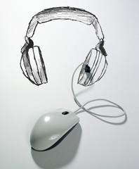 souris connectée à un casque d'écoute