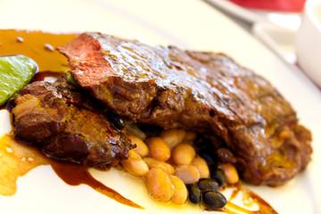Rumpsteak(Roastbeef) - gegrillt,mit Soße,grünen Bohnen