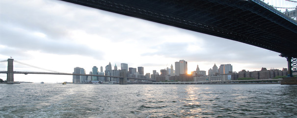 ponte di brooklyn dal battello
