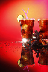 Rum and cola - Cuba Libre - with exotic chips