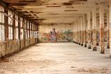 Alte verfallene Farbikhalle - 15353974