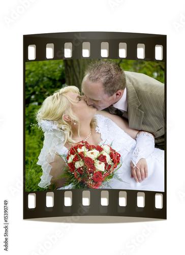 Film-Negativ mit Hochzeitspaar