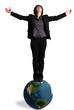 femme d'affaires debout sur un globe