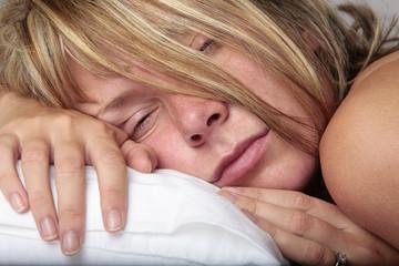 Mujer Despertandose