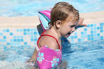 upset child swimming