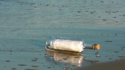 Bottiglia con messaggio