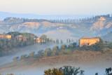 Podere, Bauernhaus, Zypressen, Morgennebel, Toskana, Italien