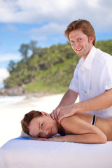 relaxing massage in paradise