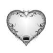 Herz und Krone mit floralem Ornament