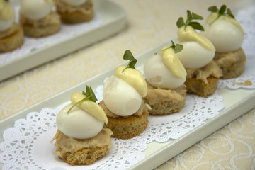 Eggs Benedict with quail eggs
