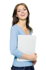Attraktive junge Frau mit Bewerbungsmappe