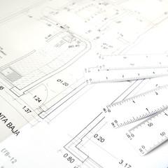 Plano y escalimetro