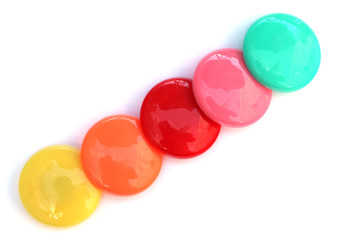 des magnets boutons