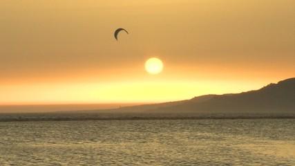 atardecer-kitesurf en tarifa