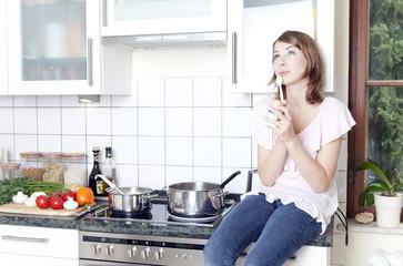 nachdenklich in der küche