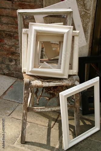 Cornici bianche per quadretti di amsimo foto stock for Cornici piccole bianche