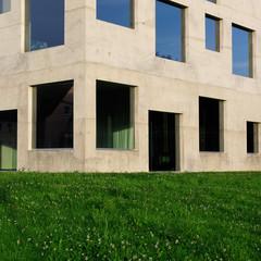 Modernes Schulungsgebäude auf dem Gelände der Zeche Zollverein