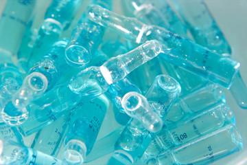 Bad Kosmetik Ampullen  in blau