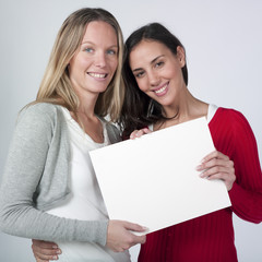 femmes souriantes annonce message