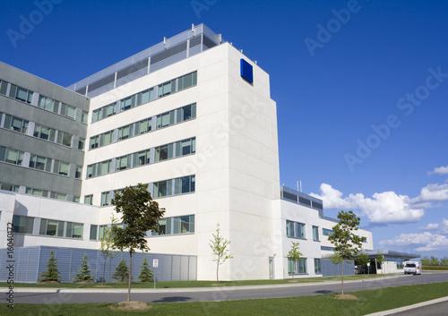 Nowoczesny budynek szpitala