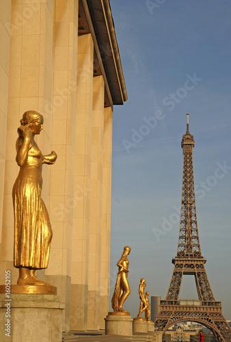 Palais de Chaillot mit Eiffelturm