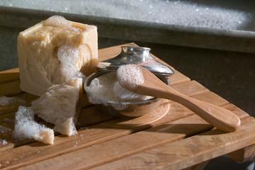 Bad Seife auf Holzrost