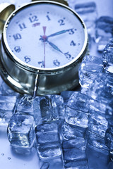 Ice cubes & Alarm clock