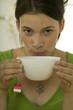 Frau trinken Tee, Portrait