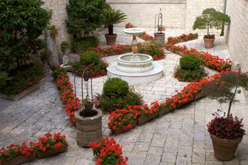 Giardino interno  dell'abbazia di Montecassino