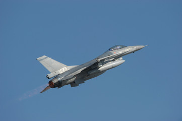 F-16 Fighting Falcon military jet