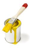 Fototapety farbdose gelb und pinsel isoliert auf weiss
