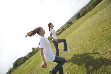 公園で走る少女