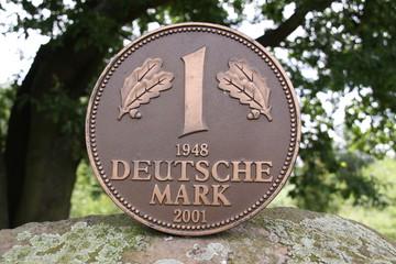 Deutsche Mark Denkmal