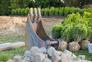 Baggerschaufel im Garten
