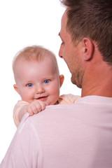 lächelndes Baby auf Papa´s Arm