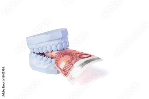 Teurer Zahnersatz