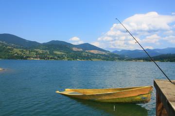 Boot und Angelrute