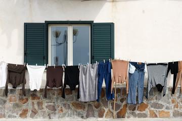 Typisch Italien, Wäsche vorm Fenster