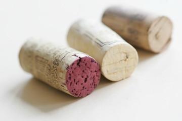 Weinkorken - Drei Korken von Weinflaschen....
