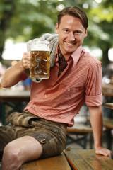 Mann Biergarten Bier