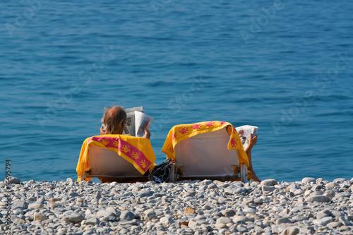 personen im liegestuhl am strand von nizza von daniel etzold lizenzfreies foto 16495794 auf. Black Bedroom Furniture Sets. Home Design Ideas