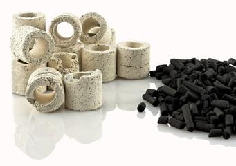 Tubes en céramique et charbon actif filtrants pour aquarium