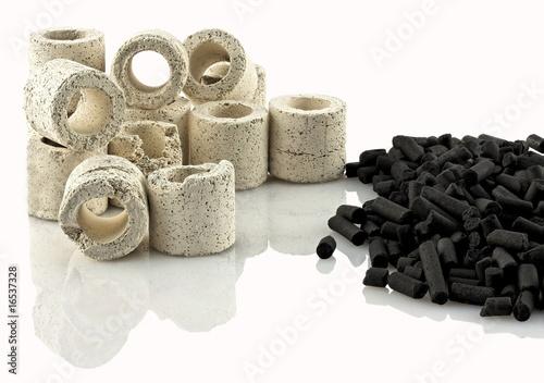 Tubes en céramique et charbon actif filtrants pour aquarium - 16537328