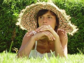 retrato de mujer en el campo