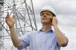 Ingenieur mit Handy