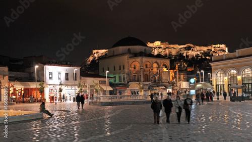 Fotobehang Athene Monastiraki square at night, Athens, Greece
