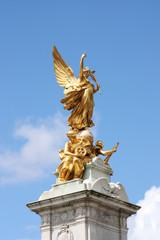 Queen Victoria memorial statue London