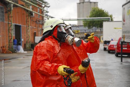 Leinwanddruck Bild Gefahrstoffeinsatz